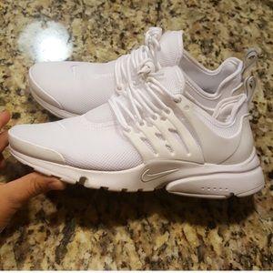 Nike Shoes - WHITE NIKE AIR PRESTO